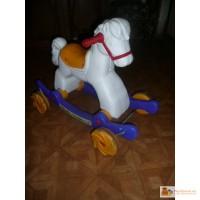 Недорого продаю пластиковую лошадь качалку-каталку, от 1,5-3 л.
