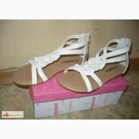 Новую обувь для девочки в Новосибирске