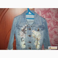 Курточка джинсовая на девочку р-р 98-110 в Красноярске