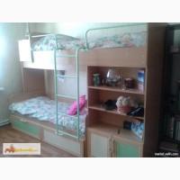 Детская мебель (двухъярусная кровать+ шкаф)