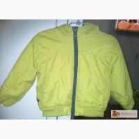 Демисезонная курточка с капюшоном zara babyboy в Красноярске