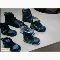 Продам демисезонную обувь для мальчиков в Красноярске